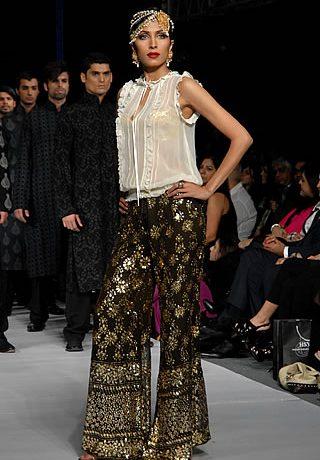 Mumtaz Jehan Collection by HSY at PFDC Sunsilk Fashion Week 2010