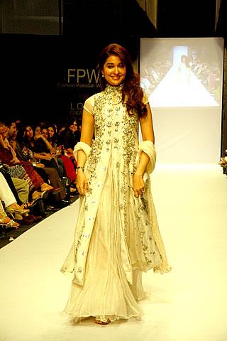 Dr. Shaista Hahidi at Karachi Fashion Week 2010