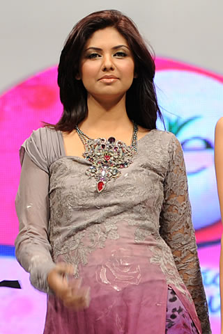 Nilofer Shahid at Veet Show 2010
