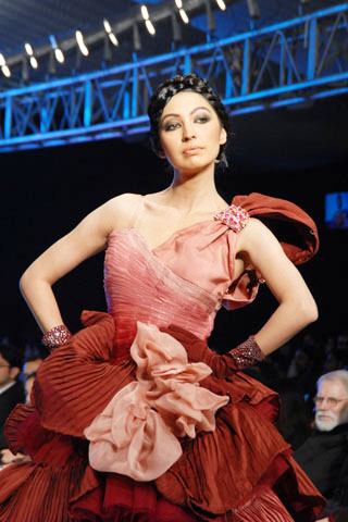 Pakistan Institute Of Fashion Design At Pfdc Sunsilk Fashion Week 2010 Fashion Central