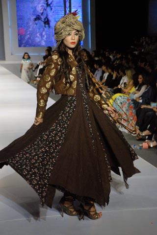 Akif Mahmood's Collection at PFDC Sunsilk Fashion Week Lahore 2011