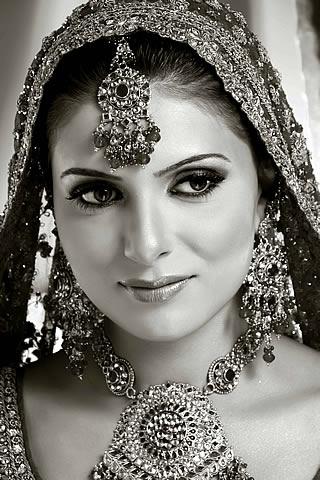 Bridal wear by Bunto Kazmi