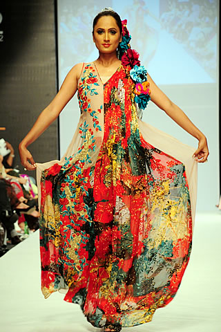 Sana Rizwan at Fashion Pakistan Week 2010