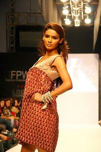 Sana Safinaz at Fashion Pakistan Week 2010