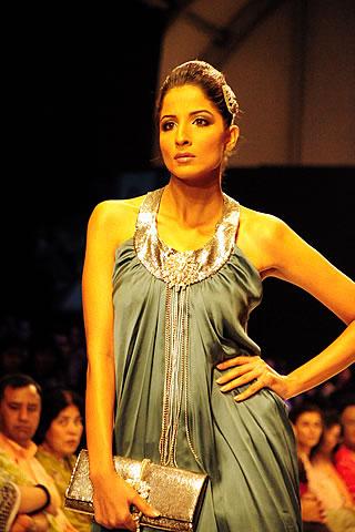 Shehla at Fashion Pakistan Week 2010