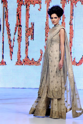 Neha Ahmad in Mehdi's collection