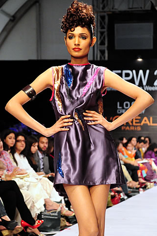 Zaiena Haider at Fashion Pakistan Week 2010