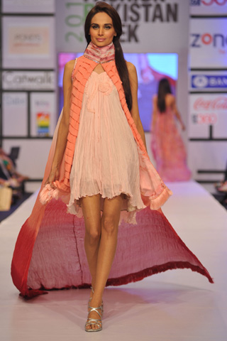 Ayesha & Somaiya at Fashion Pakistan Week 2012 Day 2, Fashion Pakistan Week 2012