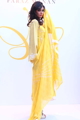 Crescent Summer Lawn Fashion Show 2012 in Karachi