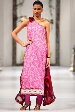 Paulsha Summer Lawn Fashion Show 2012 by Noreen & Faiza