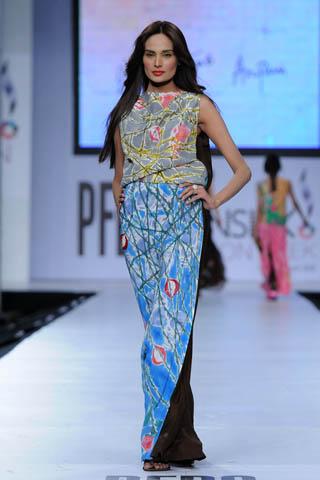 Mehreen at PFDC Sunsilk Fashion Week 2012 Day 4