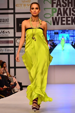 Sanam Chaudhri at Fashion Pakistan Week 2012 Day 1, Fashion Pakistan Week 2012