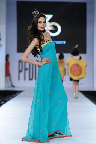 Zonia Anwaar at PFDC Sunsilk Fashion Week 2012 Day 2, PFDC Sunsilk Fashion Week 2012