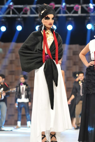 Ali Xeeshan Collection at 2011 Lux Style Awards