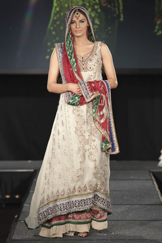 Asifa and Nabeel - Pakistan Fashion Extravaganza 2011