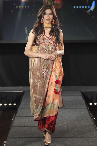 Faiza Samee at Pakistan Fashion Extravaganza 2011