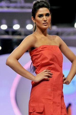 Sanam Chaudhri Collection at Veet Beauty Celebrations 2011