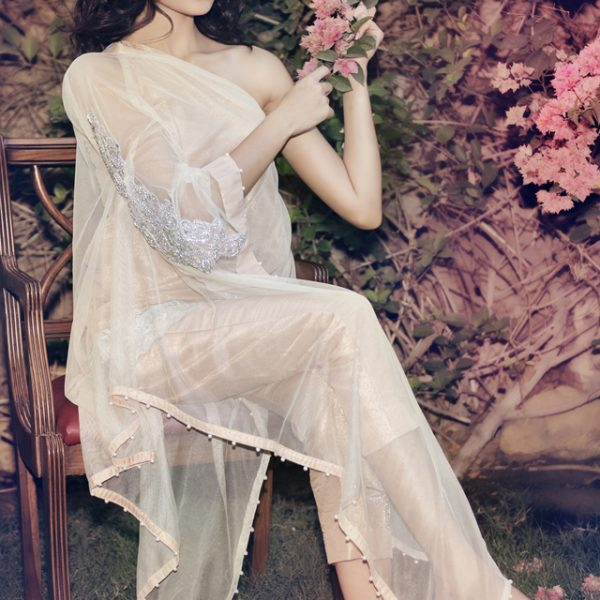 Ayesha and Somaya launch their Eid Collection