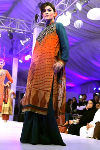 JJ Valaya 2014 Lawn Collection