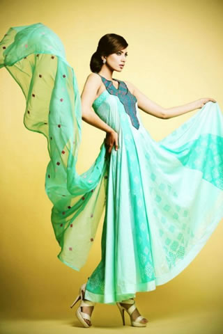 Kuki Concepts 2013 Lawn Dresses