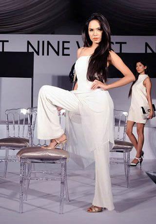 Nine West Colorful Fashion Presentation, Nine West Fashion Show