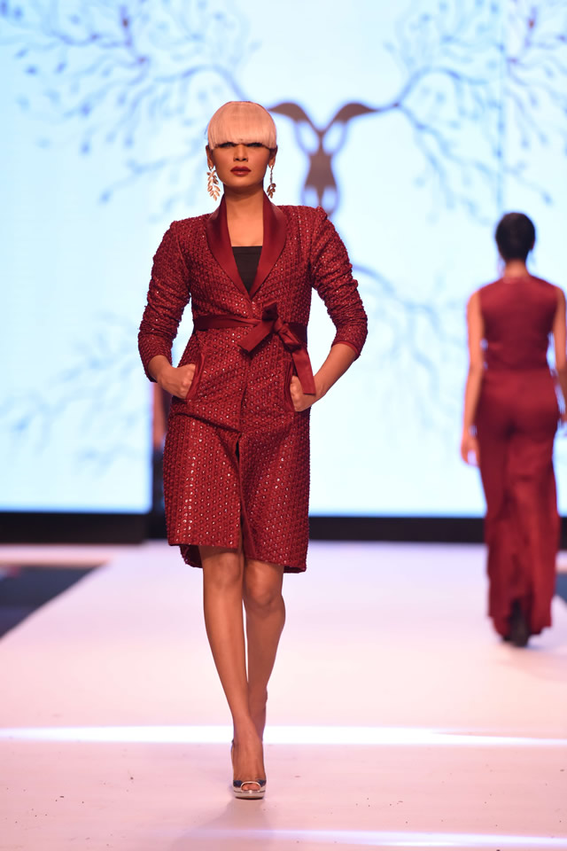 2014 Zaheer Abbas Neo Nude FPW Collection