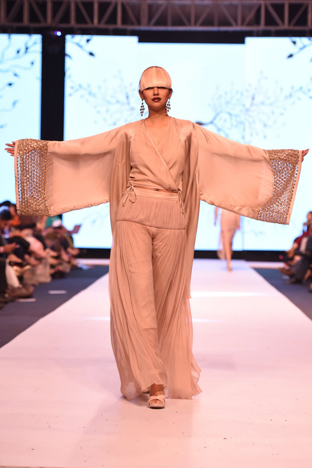 2014 FPW Zaheer Abbas Neo Nude Collection