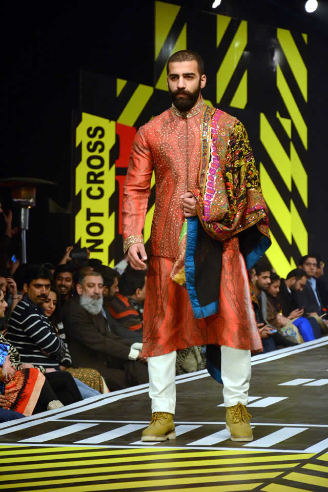 2016 Runway Pakistan Ali Xeeshan Dresses Collection Photos