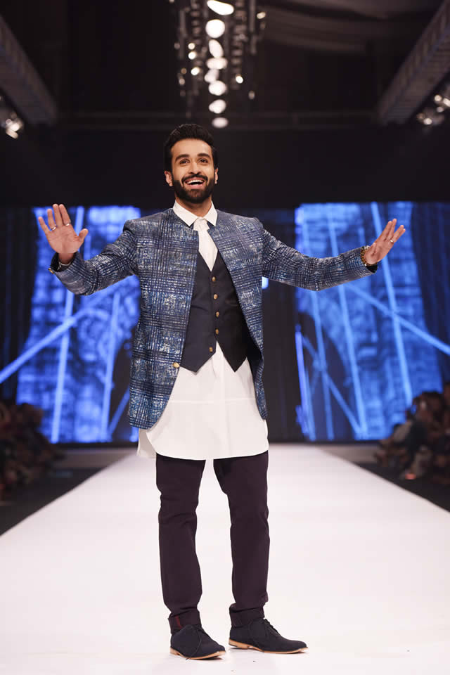 Amir Adnan Dresses Fashion Pakistan Week 2016 Images