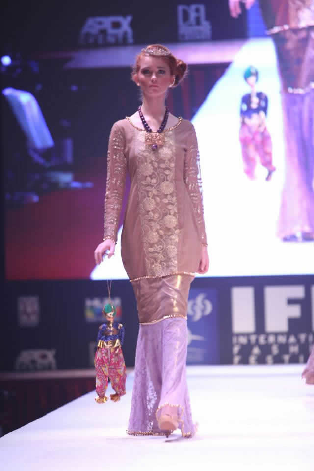 2015 International Fashion Festival Braahtii by Huma Nassr Dresses Collection Photos