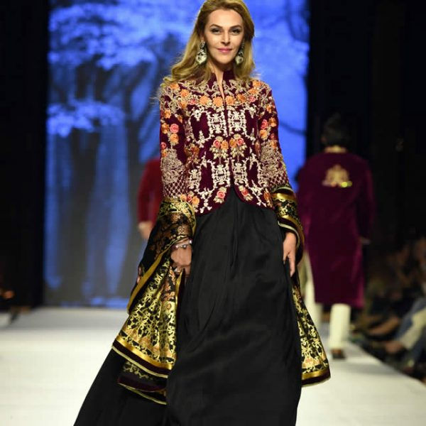 Deepak Perwani Collection at FPW 2015