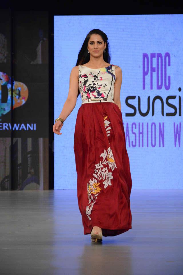 Deepak Perwani Dresses PFDC Sunsilk Fashion Week 2016 Images
