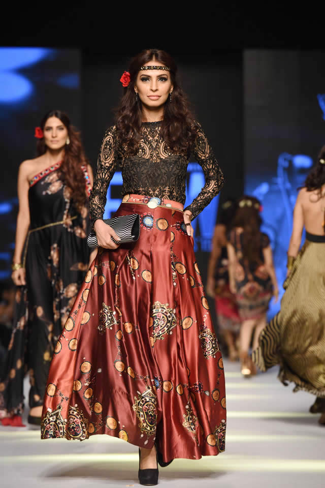 Telenor Fashion Pakistan Week Deepak Perwani Dresses 2015 Photo Gallery