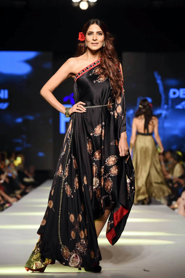 2015 Telenor Fashion Pakistan Week Deepak Perwani Dresses Images