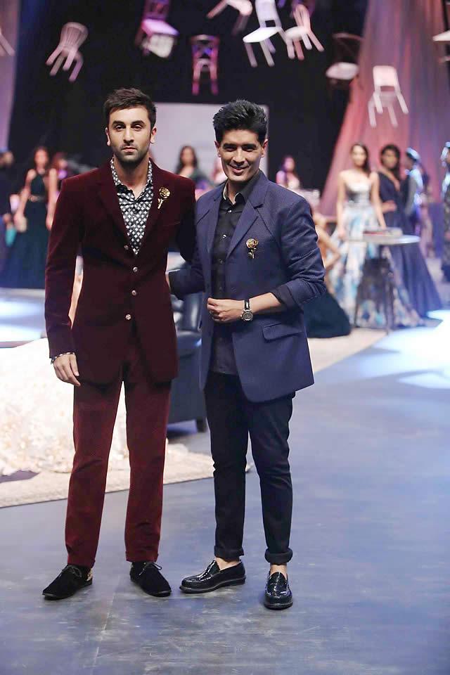 Ranbir Kapoor unveils Manish Malhotra's Menswear Line at LFW W/F 15