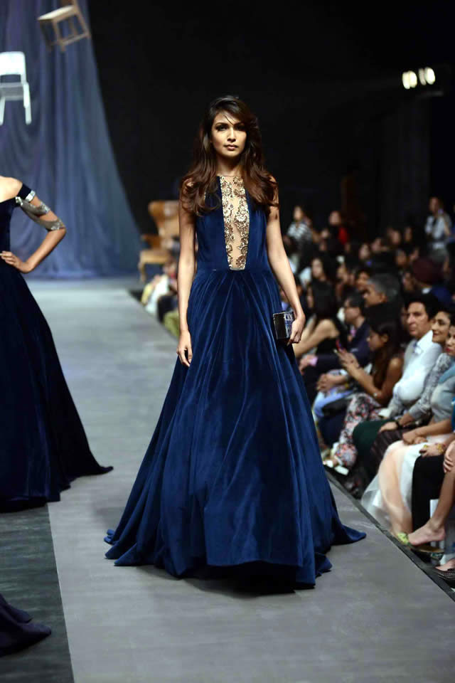 Manish Malhotra Dresses Collection 2015 Photo Gallery