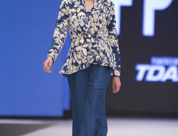 Nida Azwer Kirigami Collection at FPW 16