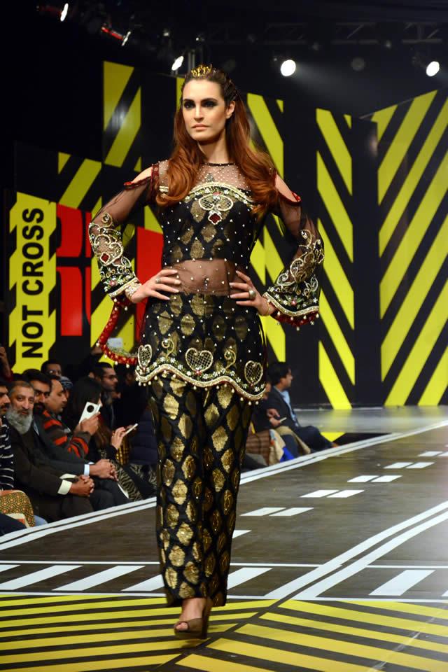 Saira Rizwan Dresses Runway Pakistan 2016 Images