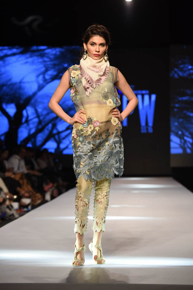Telenor Fashion Pakistan Week Sanam Chaudhri Collection Gallery