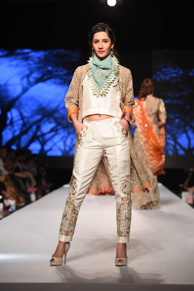 Sanam Chaudhri's Zingara Collection at TFPW 2015