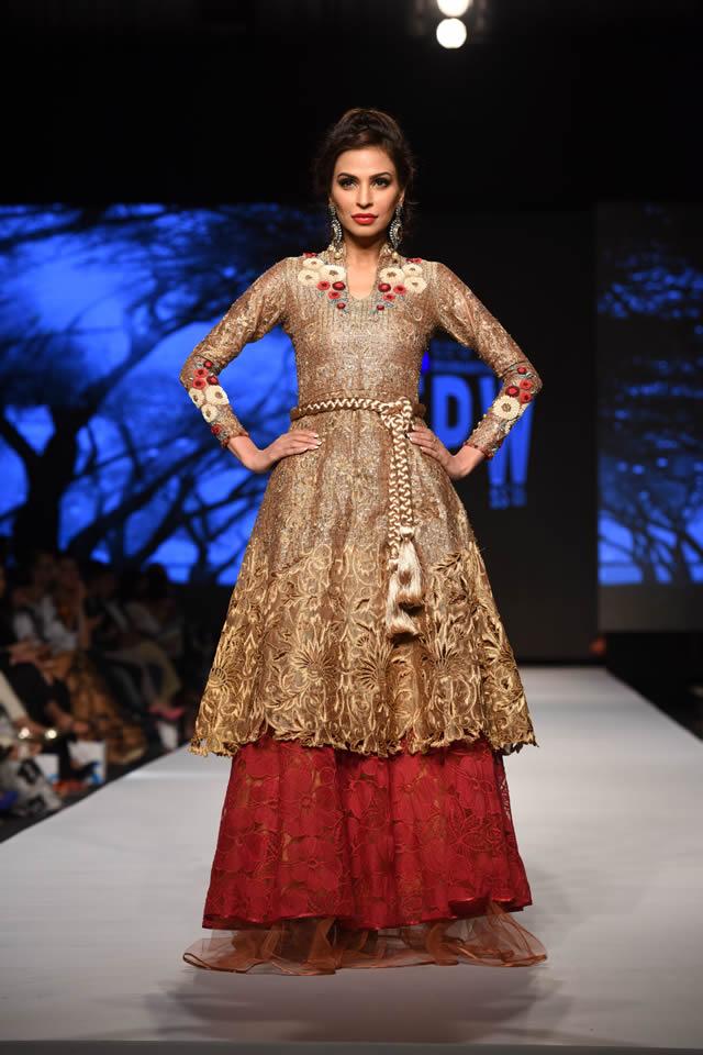 2015 Telenor Fashion Pakistan Week Sanam Chaudhri Dresses Pictures