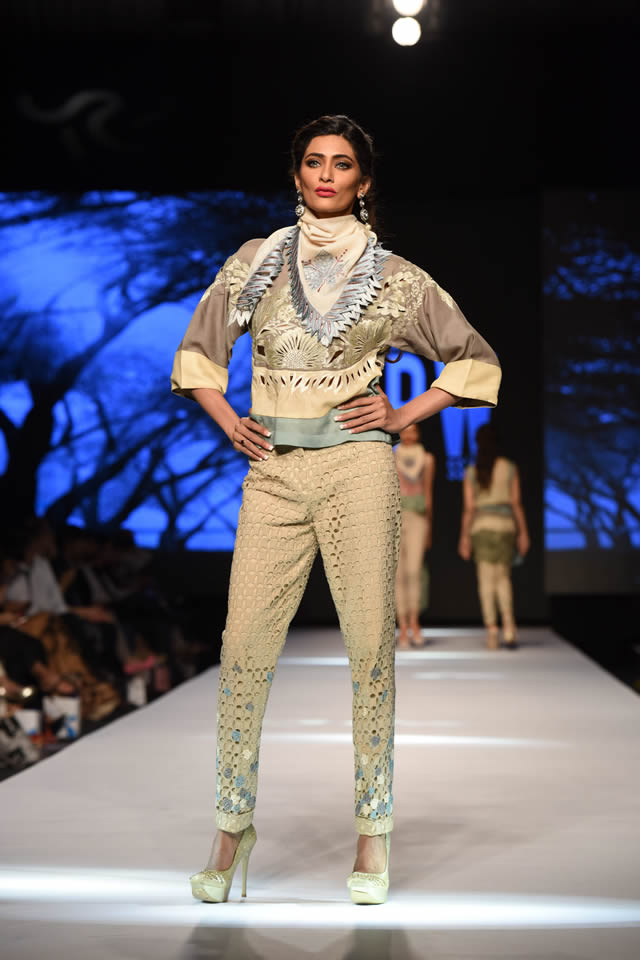 Telenor Fashion Pakistan Week Sanam Chaudhri Collection Photo Gallery