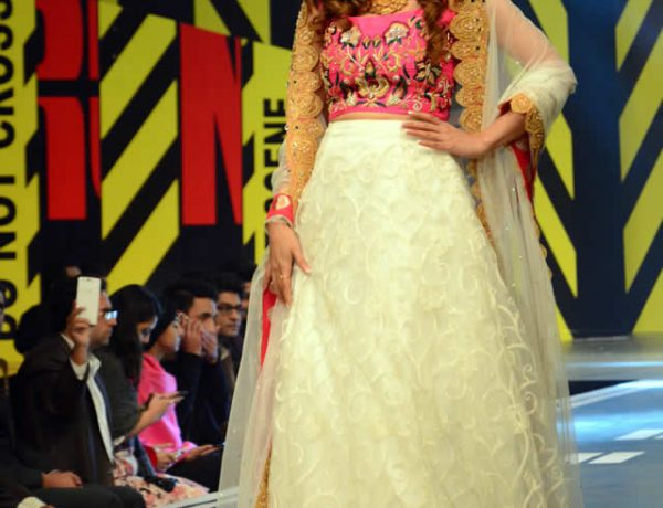 Waseem Noor Collection at Runway Pakistan 2016