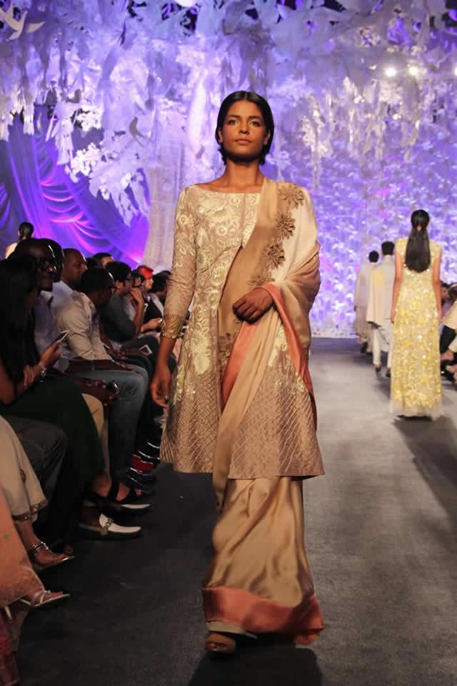 Manish Malhotra Dresses Lakme Fashion Week SR 2016 Images