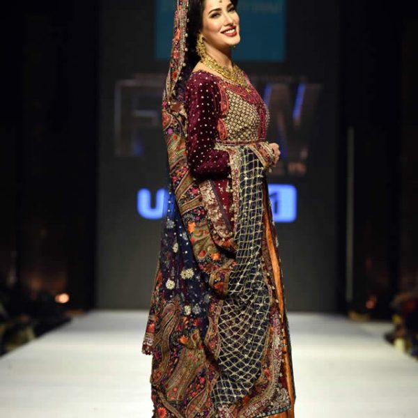 Zainab Chottani Dresses at Fashion Pakistan Week W/F 2015