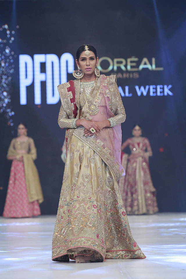 Fashion Designer Zara Shahjahan Dresses Loreal Paris Bridal Week 2016 Photo Gallery