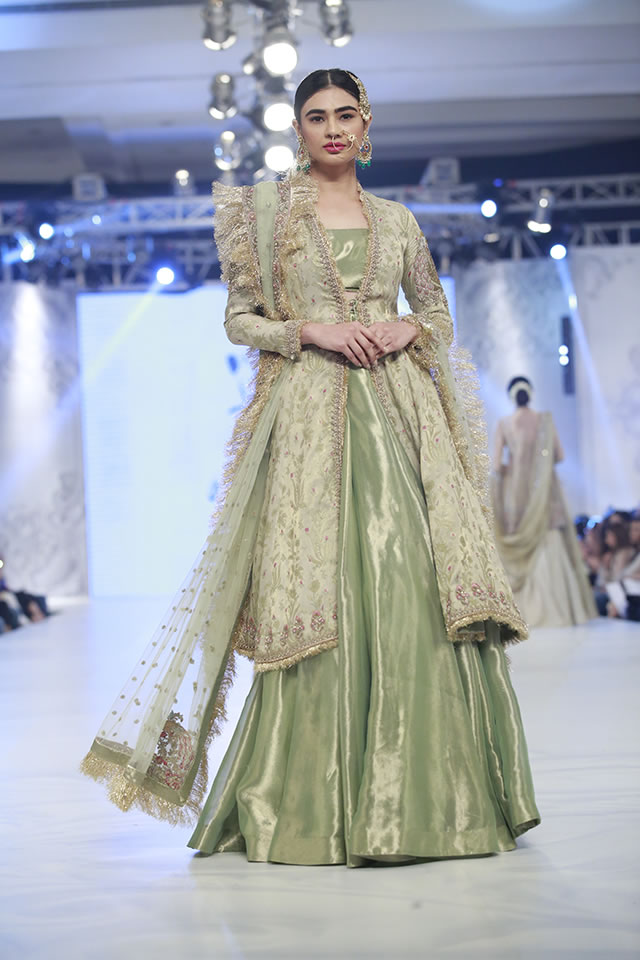 2016 Loreal Paris Bridal Week Zara Shahjahan Latest Collection Images