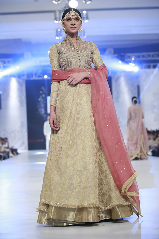 2016 Loreal Paris Bridal Week Zara Shahjahan Formal Collection Pictures