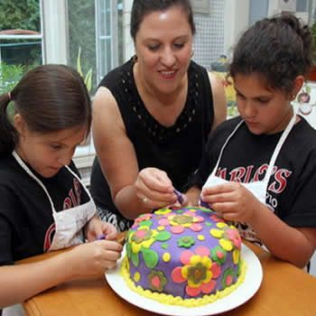Bake A Cake At Home For Eid Ul Fitr