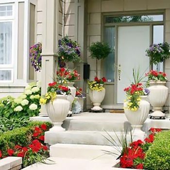 How to decor your entrance door